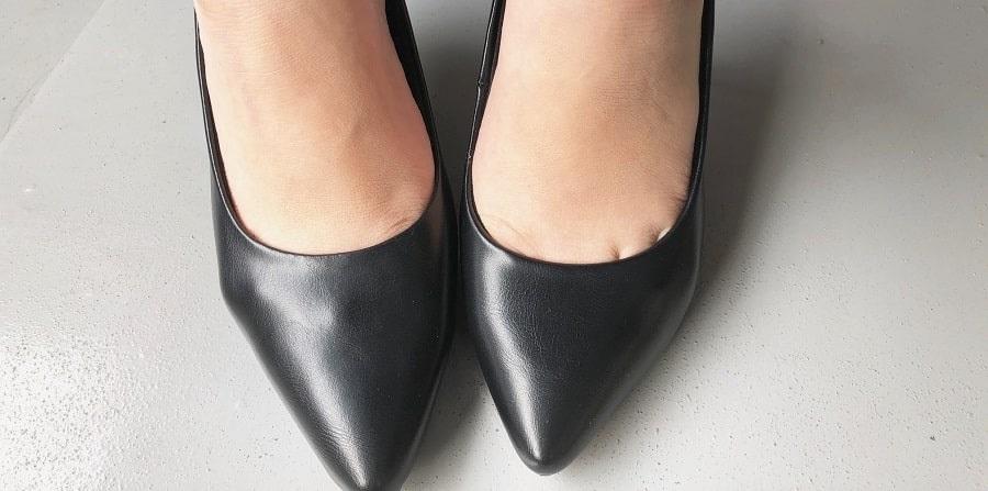 足の甲部分を比べる
